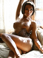 Sonya Sonya. Exotic Sonya strips and pleasures