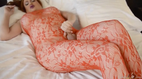 Wendy rubs her excited red lace on her rough throbbing penish.